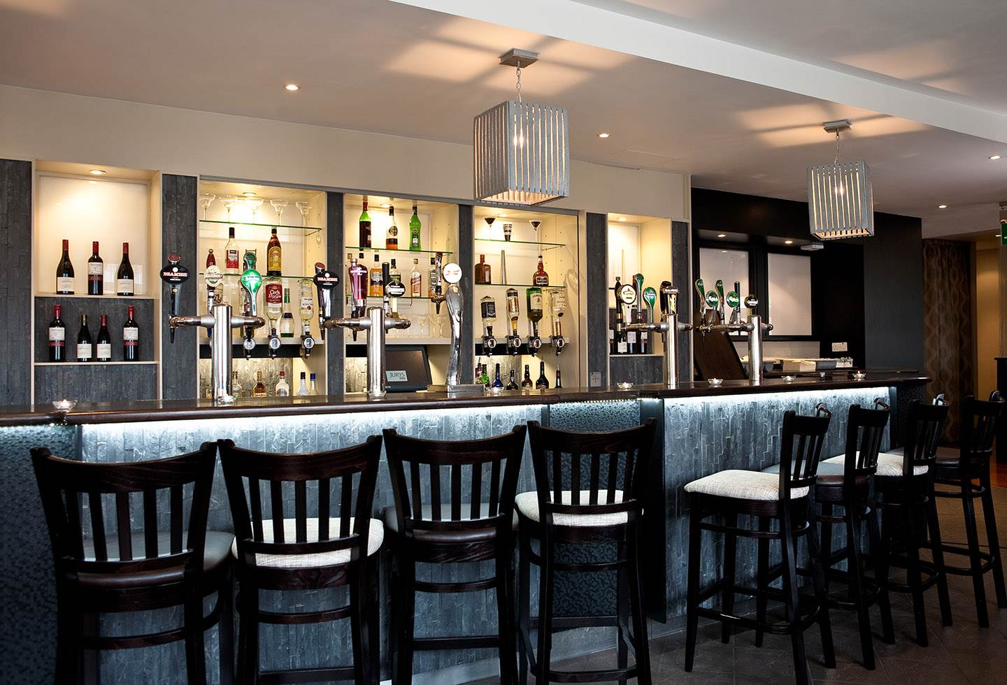 Jurys Inn Cork Bar