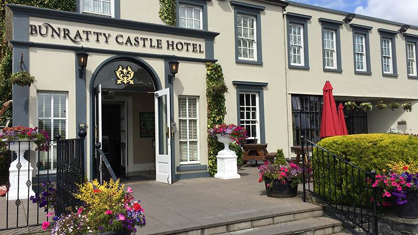 Bunratty Castle Hotel Co Clare Ireland Tours