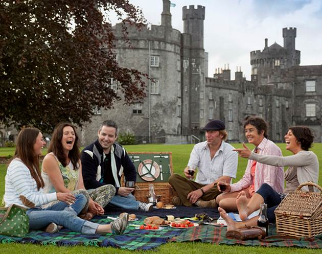 Group to go Ireland and Scotland Vacations